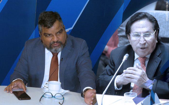 Julio Arbizu - Alejandro Toledo (Foto: Congreso)